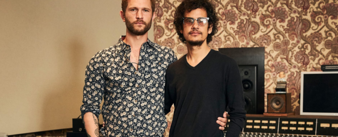 Johann Scheerer und Omar Rodriguez-Lopez in den Clouds Hill Studios | (c) Marius Drews