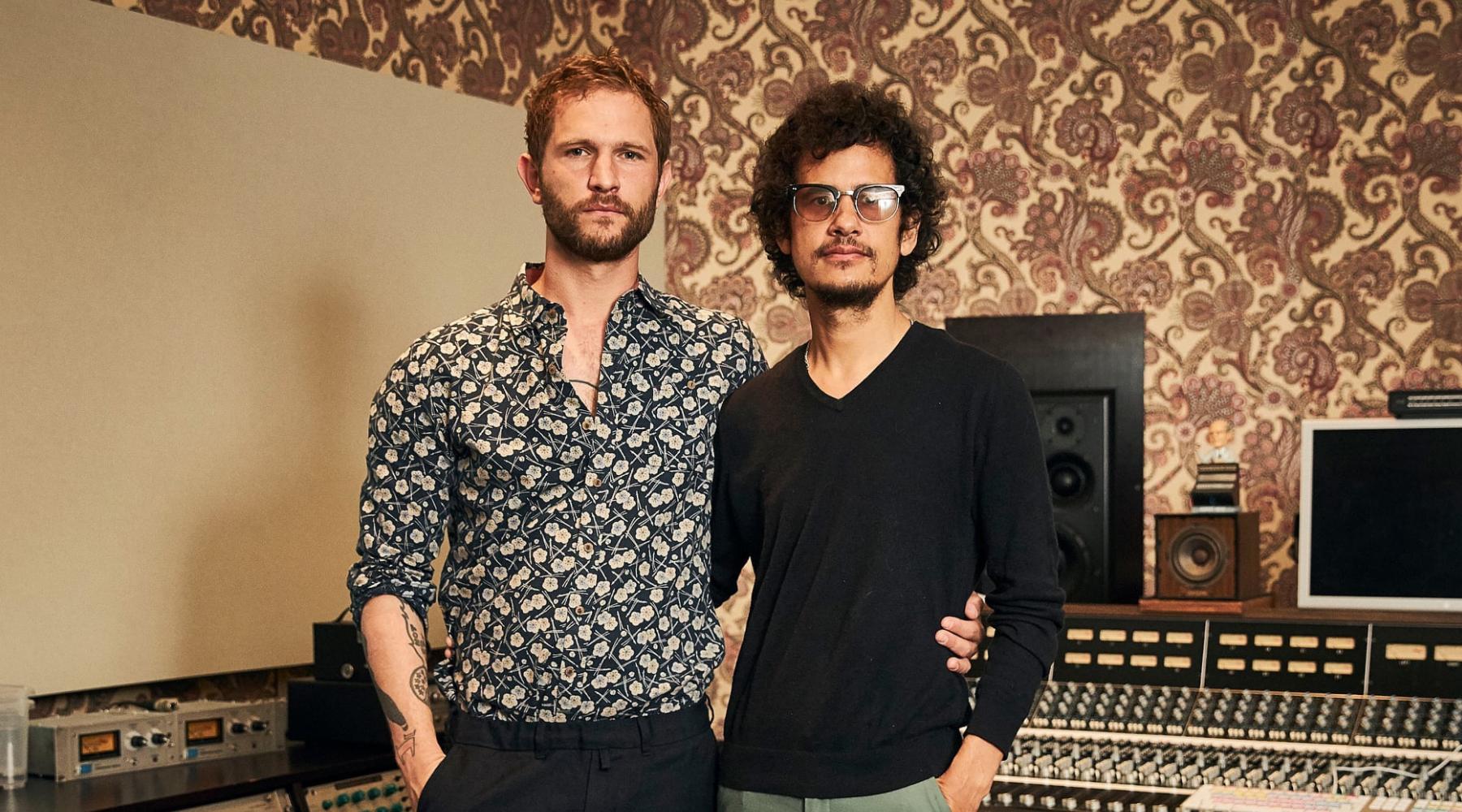 Johann Scheerer und Omar Rodriguez-Lopez in den Clouds Hill Studios   (c) Marius Drews